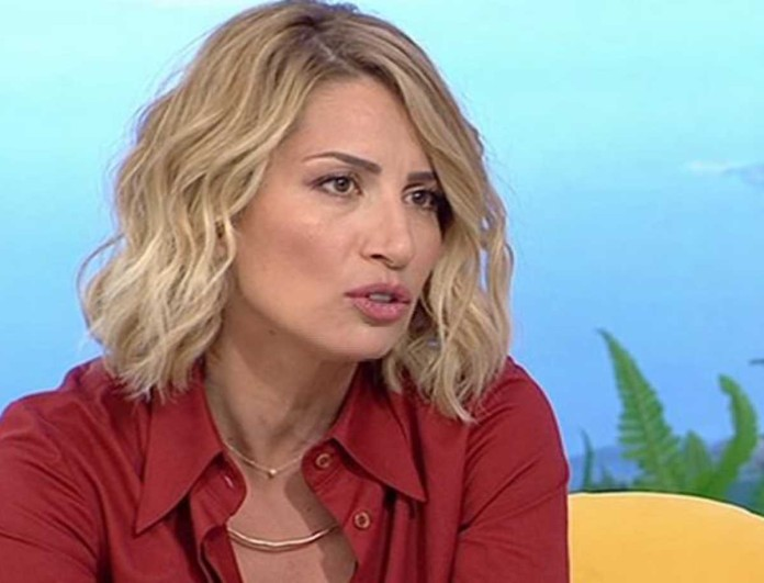 Έξαλλη η Μαρία Ηλιάκη - «Μην καταπιείς τη γλώσσα σου...»