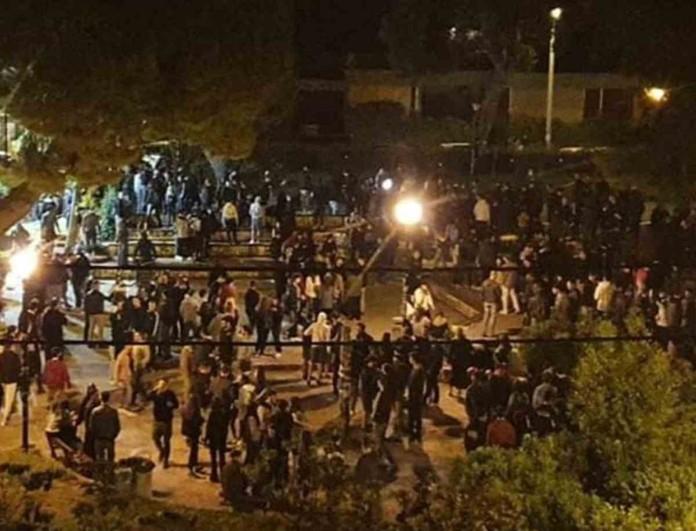 Αγία Παρασκευή: Άγρια συμπλοκή της Αστυνομίας με 300 νεαρούς στην πλατεία