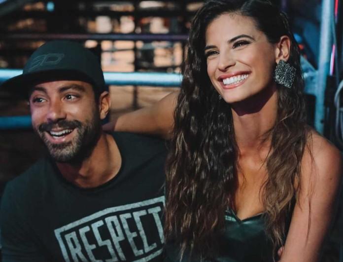 Σάκης Τανιμανίδης: Καρέ - καρέ η στιγμή που τον κουρεύει η Χριστίνα Μπόμπα - Δείτε το βίντεο