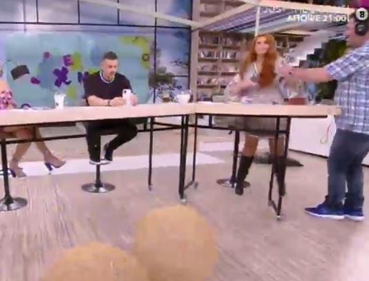 Επικό! Η Σίσσυ Χρηστίδου ξύρισε live τo μουστάκι του Κωνσταντίνου Βασάλου