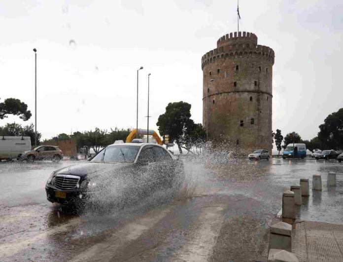 Από τον καύσωνα στις καταιγίδες - Απίστευτη κακοκαιρία στη Θεσσαλονίκη