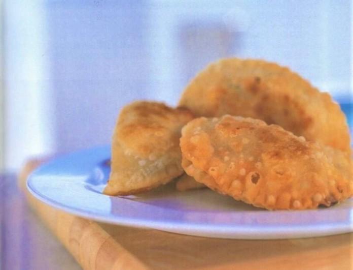 Θεϊκά πιταράκια με λεμόνι από την Αργυρώ Μπαρμπαρίγου - Φέρε λίγη από την αύρα της Πάρου στο τραπέζι σου