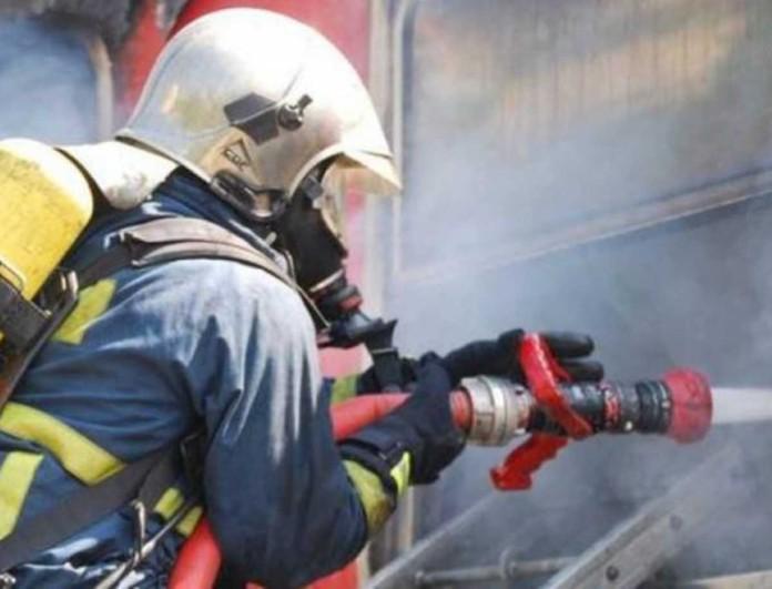 Συναγερμός - Φωτιά στην Εθνική Αθηνών - Λαμίας