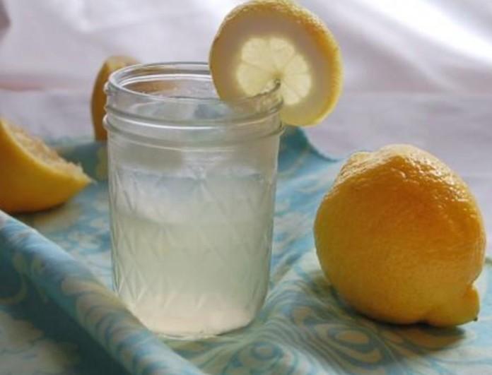 Βάλτε μαγειρική σόδα και λεμόνι σε ποτήρι νερό και πιείτε το - Το μυστικό των γιαγιάδων που θα σας...σώσει