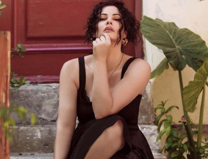 Μαρία Κορινθίου: Πόζαρε με μαγιό και δεν έβαλε κανένα φίλτρο στο κορμί της - Τους... αναστάτωσε όλους