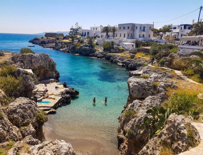 Σκέτος παράδεισος: Αυτό είναι το ελληνικό νησί που θα βουλιάξει φέτος το καλοκαίρι από τον κόσμο