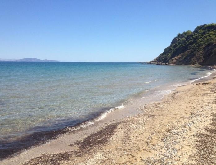 Αυτές είναι οι παραλίες - διαμάντια στην Αττική: Είναι πεντακάθαρες!