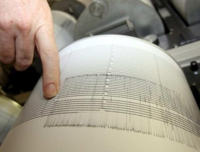 Σεισμός σε 3 περιοχές τα μεσάνυχτα - Πόσα Ρίχτερ;