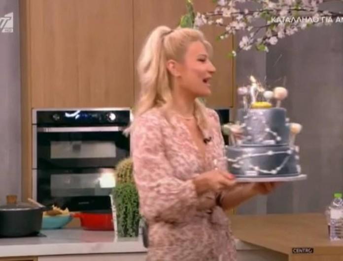 Έβγαλαν τούρτα στο Πρωινό - Δεν φαντάζεστε ποιος έχει γενέθλια