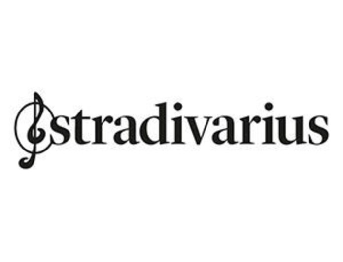 Είσαι έτοιμη για Μύκονο με αυτήν την εξωτική δετή πλατφόρμα από τα Stradivarius!