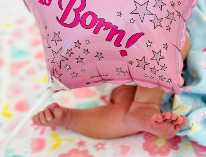 Baby boom στη showbiz - Αγαπημένη τραγουδίστρια γέννησε κοριτσάκι