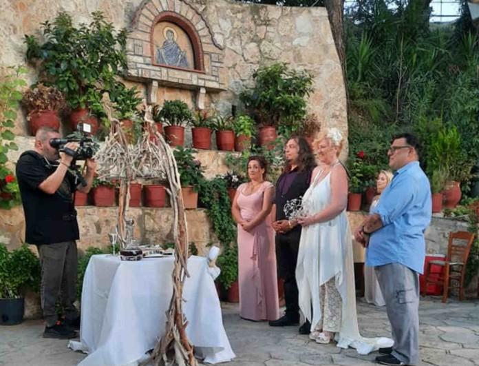Ποιός αγαπημένος Έλληνας τραγουδιστής πάντρεψε την κόρη του;