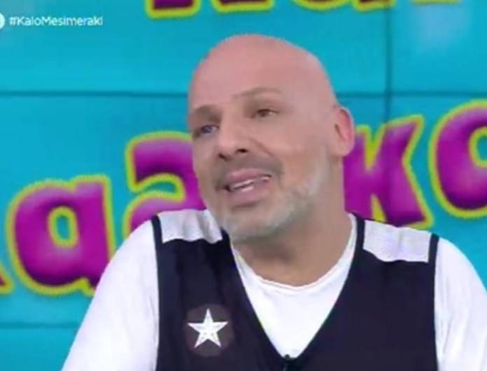 Συγκινημένος ο Νίκος Μουτσινάς στην τελευταία του εκπομπή στον ΣΚΑΙ - Η ανακοίνωση για το μέλλον του
