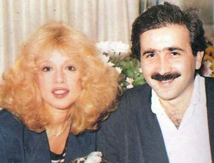 Στη θλίψη ο Λάκης Λαζόπουλος - Έβγαλε στην φόρα φωτογραφίες κι ένα χειρόγραφο σημείωμα της Αλίκης Βουγιουκλάκη