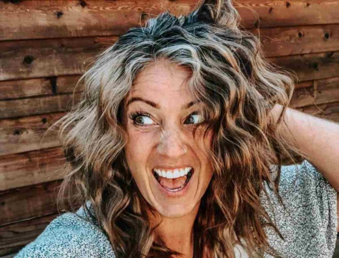 Θαυματουργό! Το σπιτικό ρόφημα που εξαφανίζει τις άσπρες τρίχες από τα μαλλιά σας