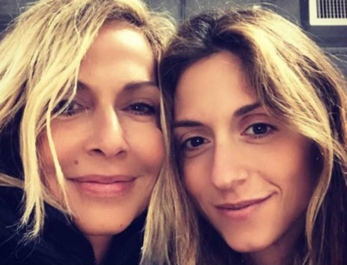 Άννα Βίσση: Η κόρη της Σοφία Καρβέλα μοιάζει με δίδυμη αδερφή της