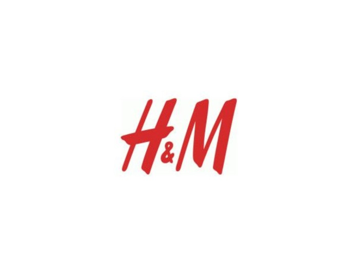 Ονειρεμένο: Το ντένιμ σακάκι από τα H&M που θέλουν όλες οι γυναίκες