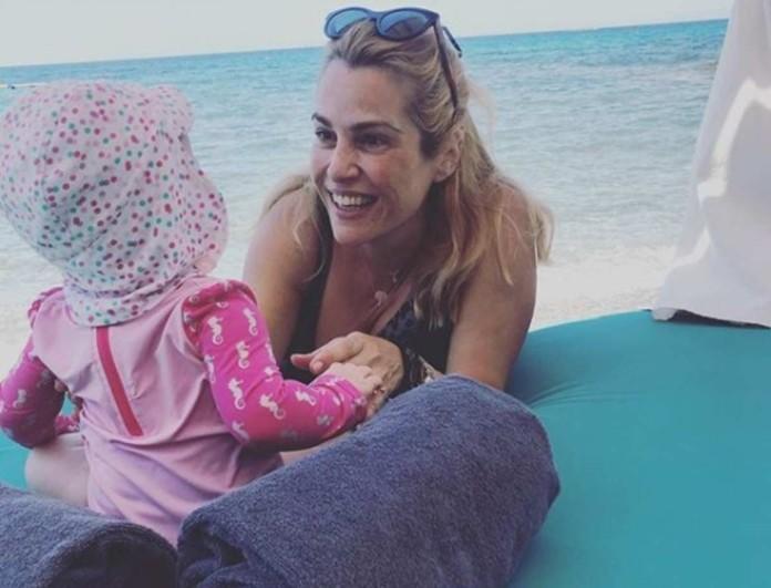 «Λιώσαμε» - Η πανέμορφη κόρη της Τζένης Μπότση με ροζ μαγιό