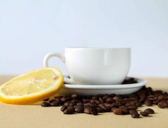 Θα σωθείς με αυτό το ρόφημα - Ρίξε λίγο λεμόνι στον καφέ σου και πιες το