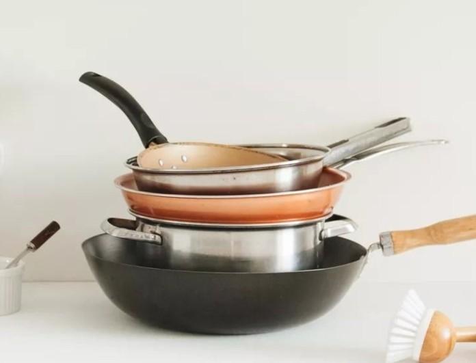Σπιτικό καθαριστικό για τα λίπη με μαγειρική σόδα - Το μείγμα που κάνει θαύματα