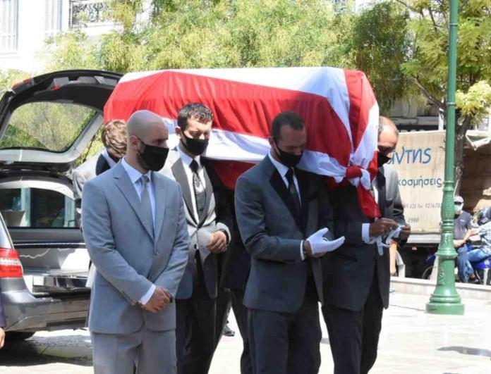 Σάββας Θεοδωρίδης: Ρίγη συγκίνησης στην κηδεία του πεθερού της Δούκισσας Νομικού