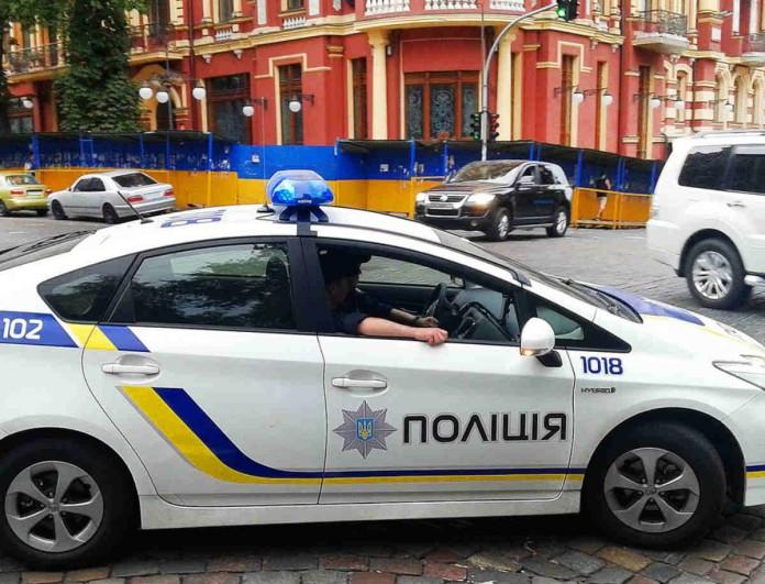 Ουκρανία: Άνδρας απειλεί να ανατινάξει τράπεζα στον αέρα!