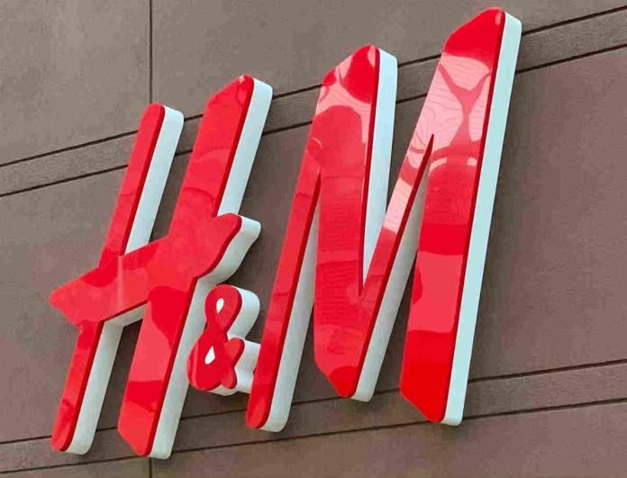 Safe ντύσιμο από H&M: Πρόσθεσε το Denim φόρεμα στη ντουλάπα σου αυτή τη σεζόν