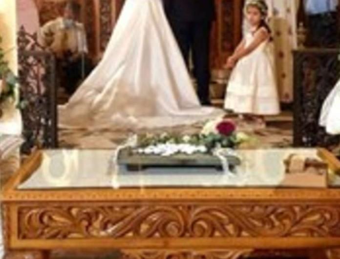 Παντρεύτηκε αγαπημένη Ελληνίδα ηθοποιός - Φωτογραφίες από την εκκλησία