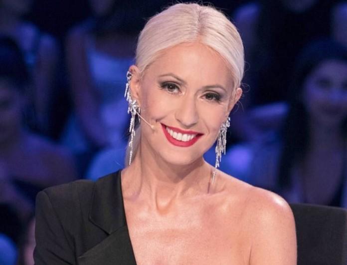 Μαρία Μπακοδήμου: Η μητέρα της παρουσιάστριας του OPEN παραδίδει μαθήματα στιλ!