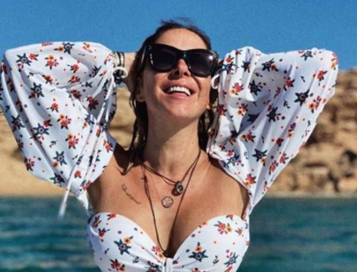 Ακομπλεξάριστη η Μελίνα Ασλανίδου - Ανέβασε φωτογραφία με μπουστάκι χωρίς φίλτρα