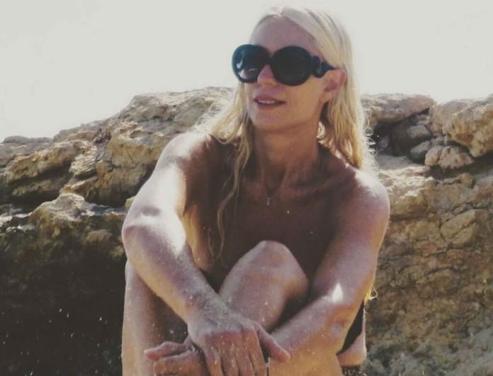 Μαρία Μπακοδήμου: Ποζάρει με μαγιό στα 55 της και κόβει την ανάσα!