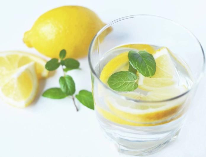 Τέλος το νερό με λεμόνι - Το συστατικό που θα σου τονώσει τον οργανισμό