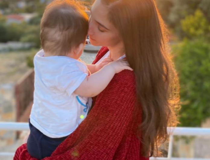 Φωτεινή Αθερίδου: Ο γιός της έχει γενέθλια και μας τον δείχνει να σβήνει τα κεράκια!