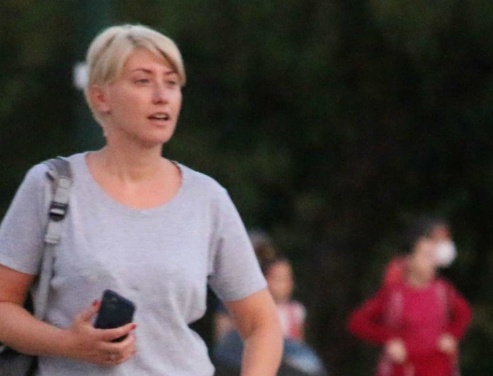Σία Κοσιώνη: Την «τσάκωσαν» με την κόρη του Κώστα Μπακογιάννη - Η εμφάνιση που συζητήθηκε