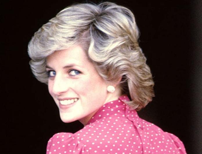 Νταϊάνα: Δείτε πως ντύθηκε το 1987 για να πάει σε παρέλαση! Την κοιτούσαν όλοι