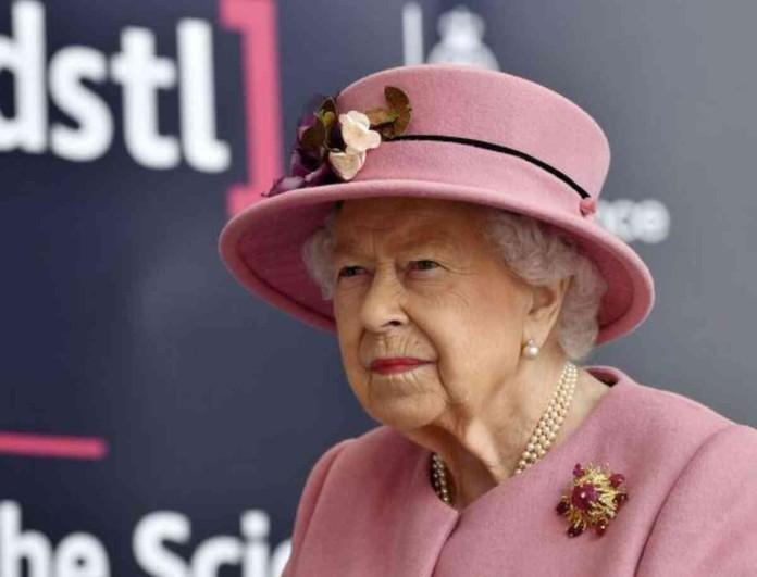 Buckingham: Η έξοδος της Ελισάβετ μετά από 7 μήνες έσπειρε χαμό στη χώρα