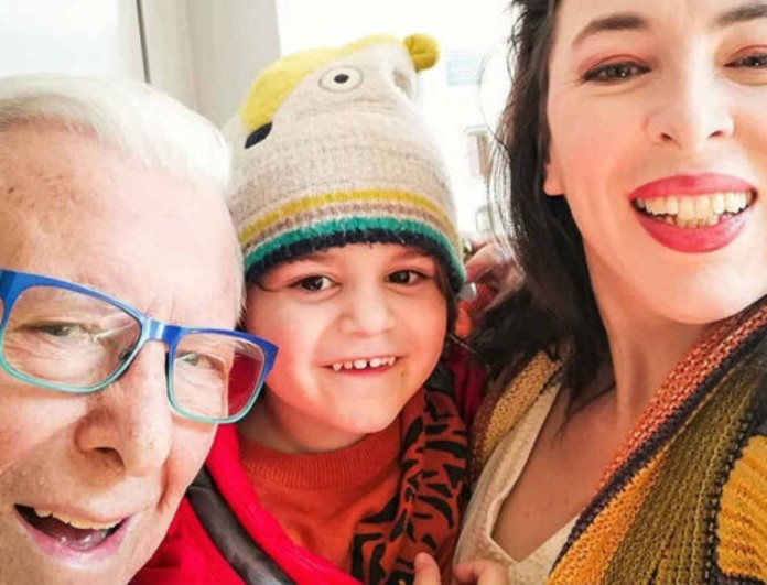 Κώστας Βουτσάς: Η φωτογραφία του γιου του με την Αλίκη Κατσαβού συγκίνησε μετά το θάνατο του