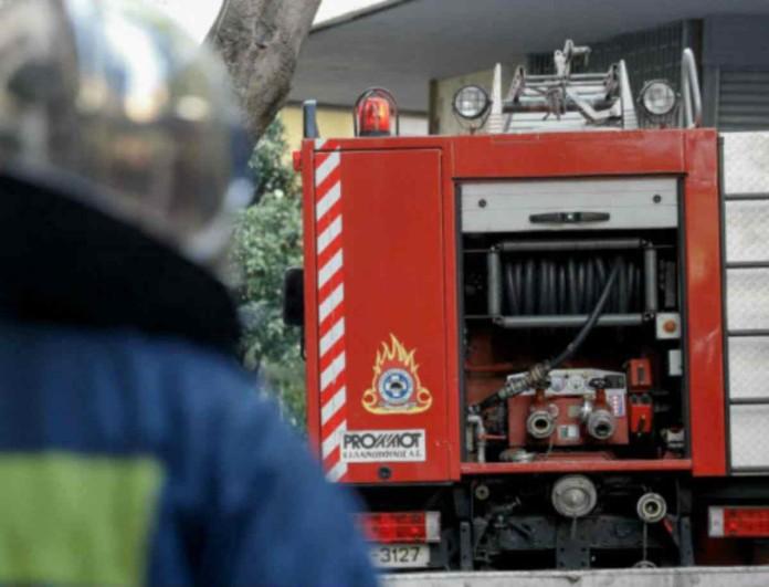 Μεγάλη φωτιά σε διαμέρισμα στο Μοσχάτο