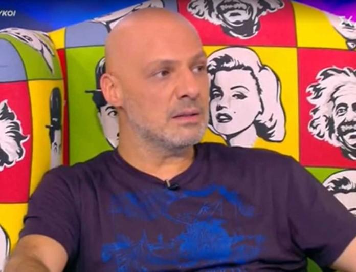 «Πάγωσε» ο Νίκος Μουτσινάς - Το τηλεφώνημα που τον «τάραξε» στον αέρα της εκπομπής