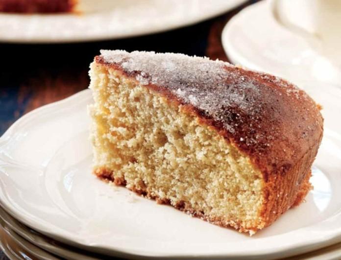 Μυρωδάτο και πανεύκολο κέικ κανέλας από την Αργυρώ Μπαρμπαρίγου - Έτοιμο σε 5 λεπτά