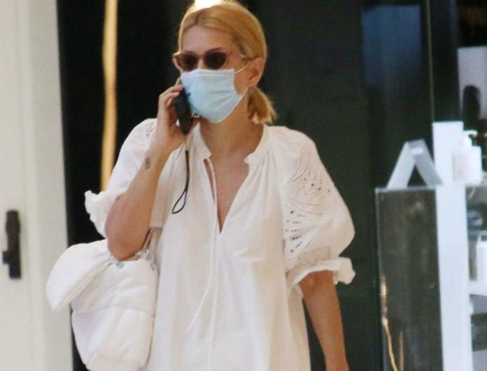 Μαρία Ηλιάκη: Τηρεί όλους τους κανόνες υγιεινής ακόμη και στα ψώνια - Υπέροχο total white σύνολο