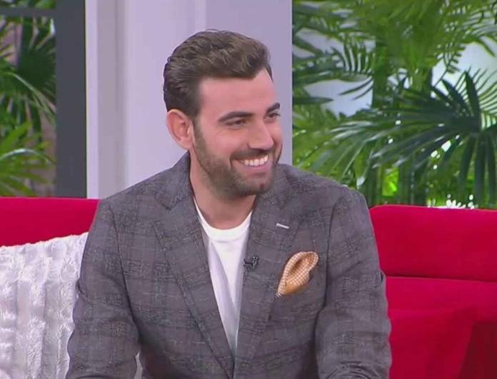 Νίκος Πολυδερόπουλος: Ο ηθοποιός των 8 Λέξεων μιλά για τις σχέσεις του -  «Όλα τα καλά έχουν...»