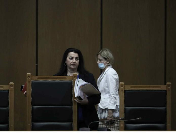 Δίκη Χρυσής Αυγής: Σοκ με τις νέες εξελίξεις - Η Πρόεδρος αμφισβήτησε την αγόρευση της εισαγγελέως!