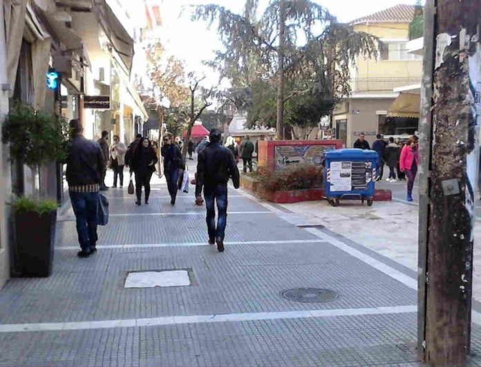 Σοκ στην Κατερίνη: Καταστηματάρχες άνοιξαν τα μαγαζιά τους από...την πίσω πόρτα!