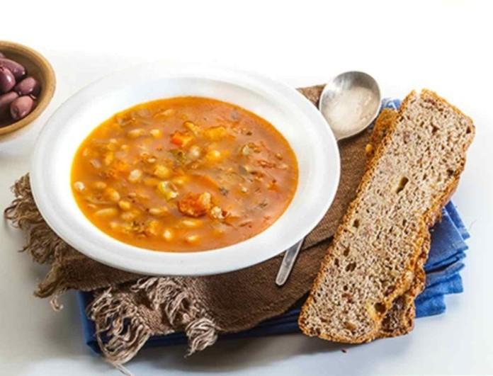 Φασολάδα με λουκάνικο από την Αργυρώ - Με βαθιά χωριάτικη γεύση