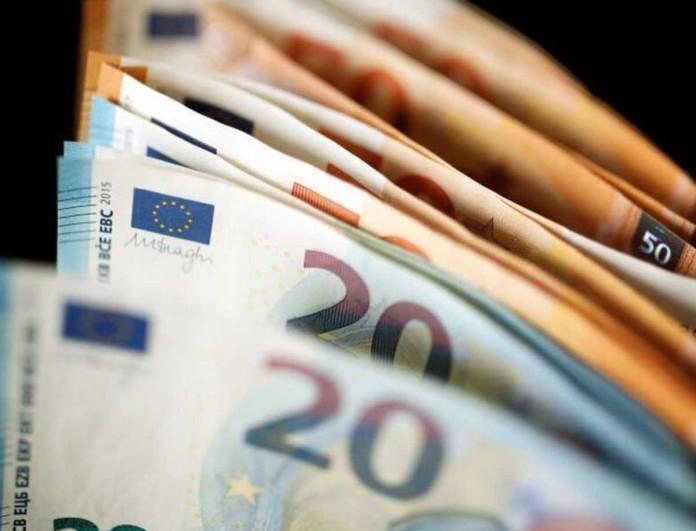Επίδομα - «ανάσα» 800 ευρώ πριν από τα Χριστούγεννα - Ποιοι το δικαιούνται;