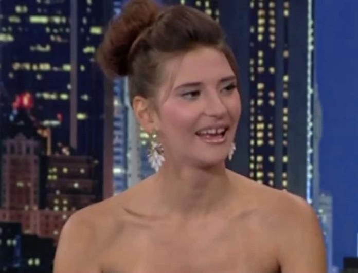 The 2night: Σάστισε ο Αρναούτογλου με το φόρεμα της Μιχαλοπούλου από το GNTM - Θανατηφόρο σκίσιμο