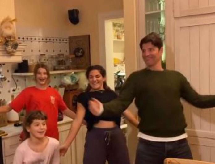 Θύελλα με το βίντεο της Κάτιας Ζυγούλη - Τράβηξε τον ατελείωτο χορό του Σάκη Ρουβά και των παιδιών