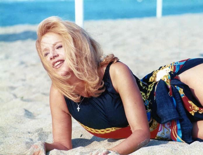 Αλίκη Βουγιουκλάκη: «Διέρρευσε» φωτογραφία της χωρίς ίχνος φίλτρου! Πώς ήταν πραγματικά το κορμί της; Με τα πόδια πάθαμε σοκ!