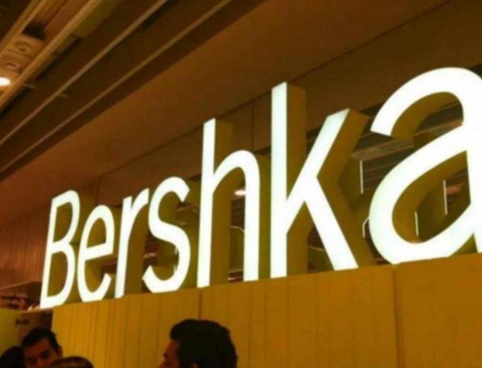 «Τρελάθηκαν» τα Bershka: -40% στο πιο συγκλονιστικό παλτό